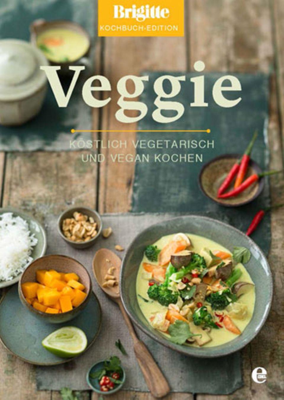 """65 köstliche vegetarische Rezepte finden Sie im """"Veggie""""-Band der neuen BRIGITTE-Kochbuch-Edition. Die Kochbuch-Edition umfasst acht Bände und präsentiert die beliebtesten Rezepte aus BRIGITTE zu den Themen """"Veggie"""", """"Landküche"""", """"Festlich"""", """"Backofen"""", """"Balance"""", """"30 Minuten"""", """"Backen"""" und """"Pasta"""".    Die komplette BRIGITTE Kochbuch-Edition ist bereits ab 1. September 2014 exklusiv bei BRIGITTE.de bestellbar - versandkostenfrei und für nur und für nur 99,95 Euro. Sie sparen fast 20 Euro im Vergleich zum Einzelkauf. BRIGITTE-Abonnenten zahlen nur 89,95 Euro und sparen fast 30 Euro im Vergleich zum Einzelkauf. Im Buchhandel sind die Kochbücher erst zu einem späteren Zeitpunkt erhältlich - """"Veggie"""" ab 8. Oktober 2014.    Mehr Infos zum Kochbuch """"Veggie""""    BRIGITTE Kochbuch-Edition zum Vorzugspreis bestellen"""