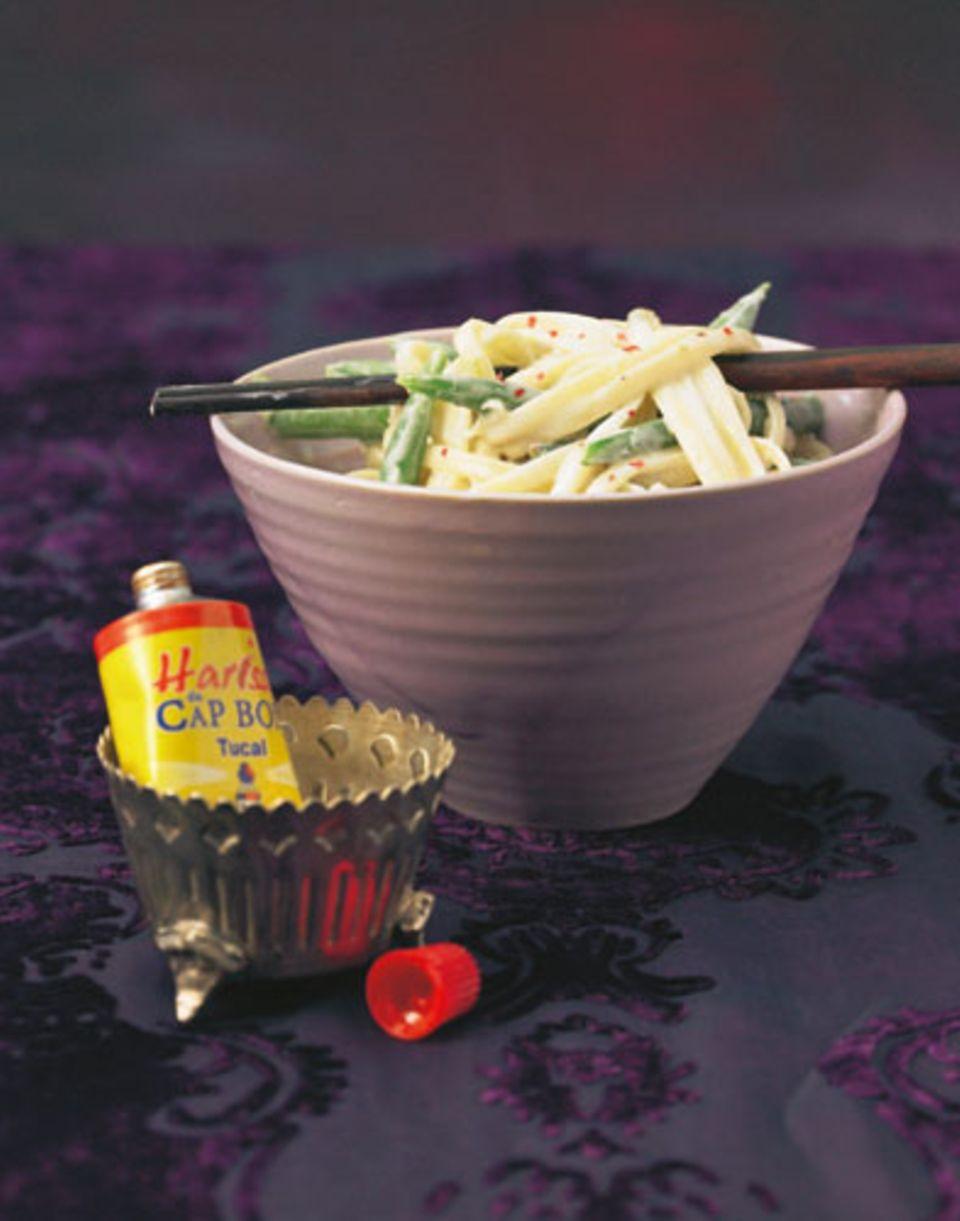 Die orientalische Würzpaste Harissa bringt den Pep. Zum Rezept: Linguine mit scharfer Kokossoße