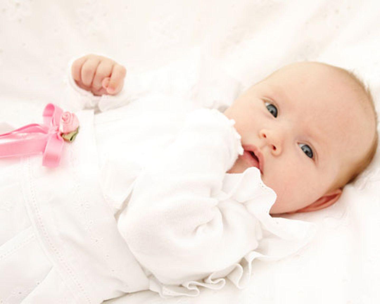 Baby mit Schleife