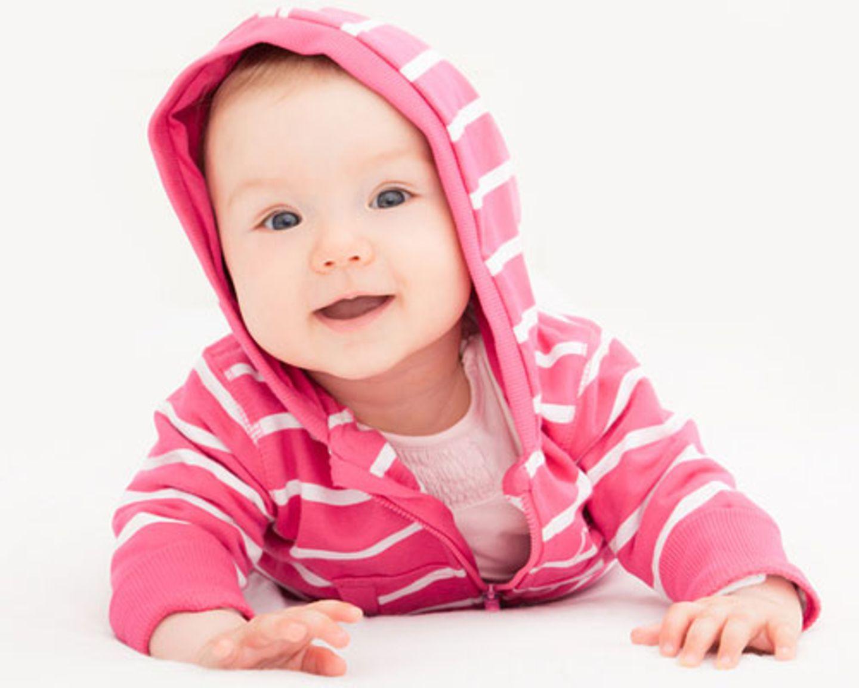 Baby mit Pulli