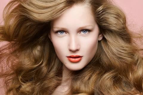 18 Frisuren-Tipps, die eure Haare schonen