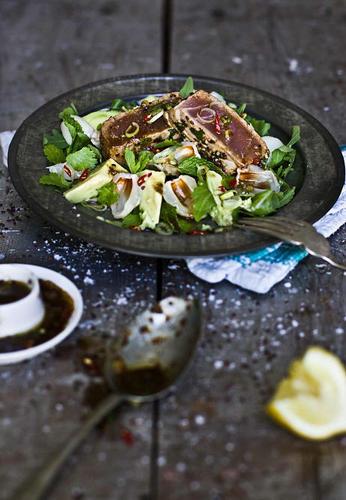 Tunfisch mit Sesamkruste