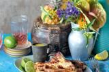 Die Ananasmarinade beamt unseren Grill von der Veranda an die Karibikküste. In der Marinade baden nicht nur Rippchen gern, sondern auch Hähnchenbrust oder sogar Zucchini. Zum Rezept: Marinierte Ananas-Rippchen