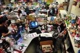 Der Schreibtisch einer weiblichen Kollegin in Hongkong. Ob an einem Schreibtisch eine Frau oder ein Mann arbeitet, konnten die Forscher in den meisten Fällen an den Fotos erkennen.