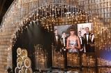 Michelle Obama: Noch eine Überraschung: Jack Nicholson betritt die Bühne um den Oscar für den besten Film zu verkünden - und schaltet per Videoleinwand live ins Weiße Haus zu Michelle Obama, die den Gewinner verkündet. Und nachdem so einige Oscar-Presenter lustlos ihre Moderationstexte runtergeleiert hatten, war Michelle Obama ein schöner Kontrast: Sie schien sich nämlich wahnsinnig zu freuen, dass sie bei den Oscars dabei sein durfte.