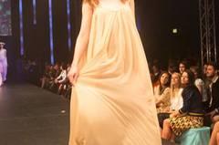 Langes Kleid mit besticktem Oberteil von Aigner.