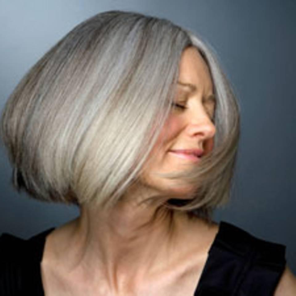 So pflegen Sie trockene Haare