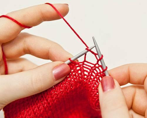 Glatt rechts stricken: Einfach stricken lernen | BRIGITTE.de