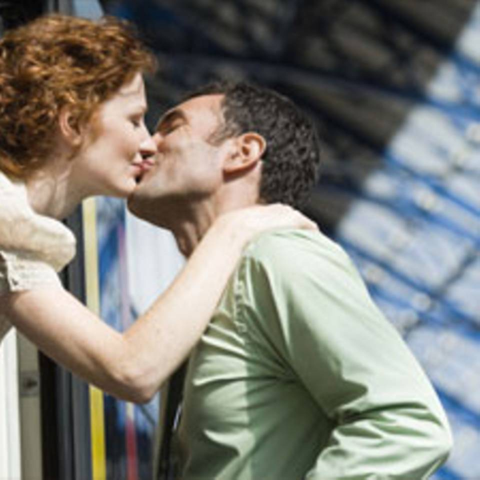 Kussrituale: Wie küssen die Menschen rund um die Welt?