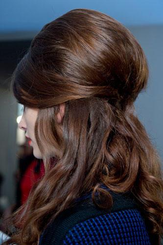 Lust auf eine andere Frisur? Inspirationen bei Moschino