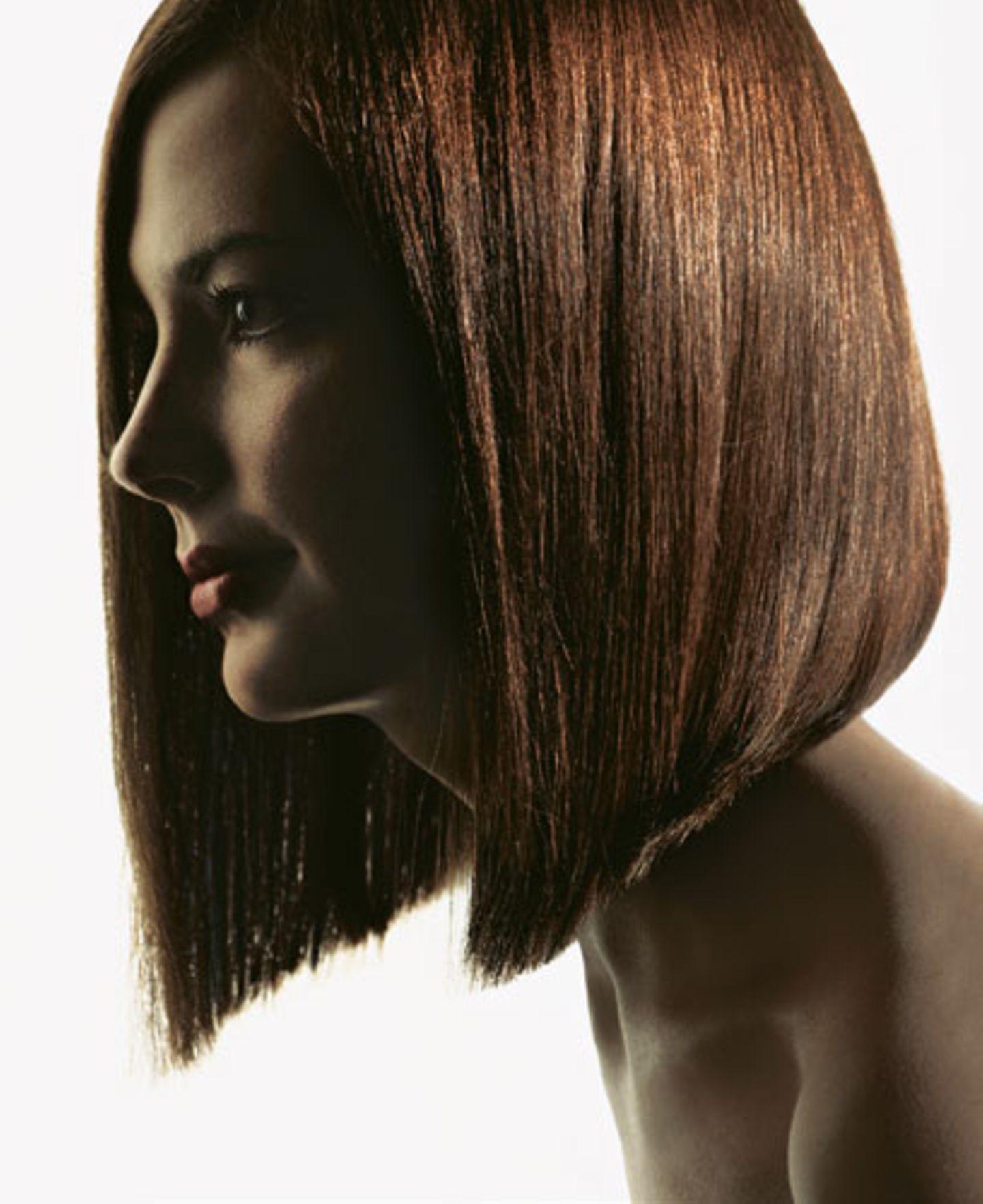 Mittellange Haare: Asymmetrie