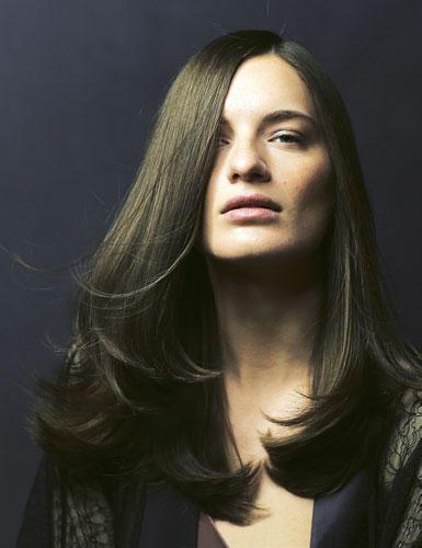 Lange Haare: Gerade Linie