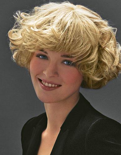 Mittellange Haare: Kompakte Locken