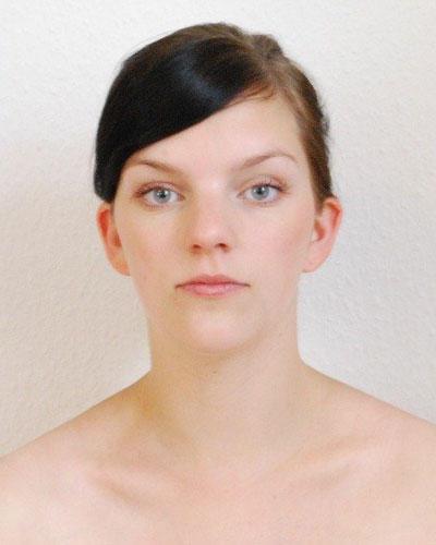 Das Tages-Make-Up für die braunen Augen der Sommersprosse