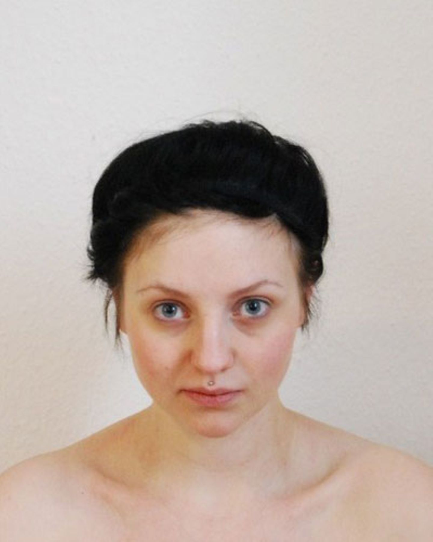 Yulia ohne Schminke