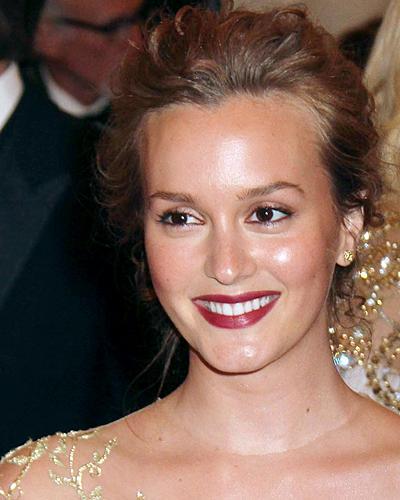 Dunkelrote Lippen: Leighton Meester