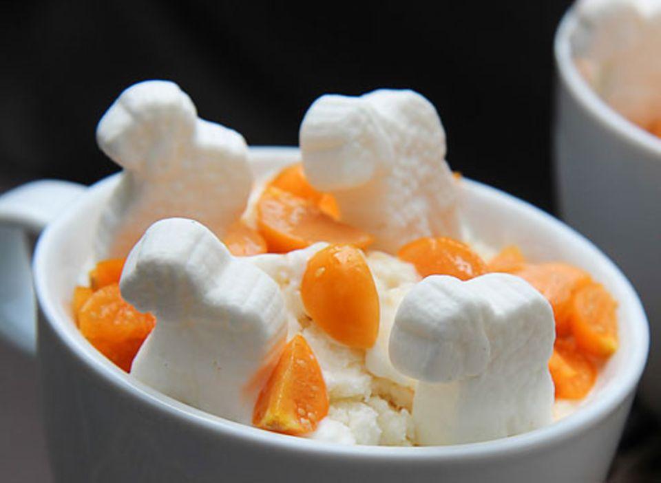Steffi hat verschiedene Lebensmittelallergien und -unverträglichkeiten. Dass man trotzdem fantasievoll und lecker kochen kann, beweist sie in ihrem Blog Kochtrotz - zum Beispiel mit ihrem Rezept für laktosefreien Frozen Yogurt. Zum Rezept im Blog: Frozen Yogurt - laktosefrei