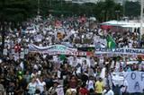 Massenproteste im ganzen Land