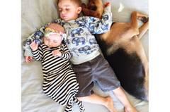 """Für Jessica Shyba ist der Mittagsschlaf ein wichtiges Ritual. """"Ich war immer sehr streng, was das Einhaltung eines konsequenten und regelmäßigen Mittagsschlafs angeht. Ich weiß, dass das nicht bei allen Kindern klappt, aber bei uns sind drei von vier Kindern sehr begeisterte Mittagsschläfer."""""""