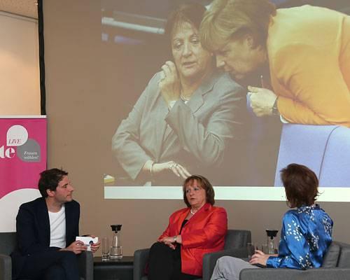 """BRIGITTE LIVE: Belastet dieser Schlagabtausch manchmal auch das Verhältnis zu Kanzlerin Merkel? """"Wir haben in schwierigen Fragen immer einen Weg gefunden, alles zu besprechen. Wir sind beide eher vernunftbezogen, und gehen weniger emotional an die Theman ran. Da haben wir eine ähnliche Wellenlänge."""""""