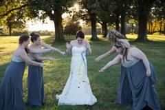 """Das Ritual hilft ihr, sich noch einmal mit der Hochzeit und dem geplatzten Traum von der Ehe auseinanderzusetzen. """"Es hat immer einen Grund, warum so etwas passiert"""", sagt Shelby Swink."""
