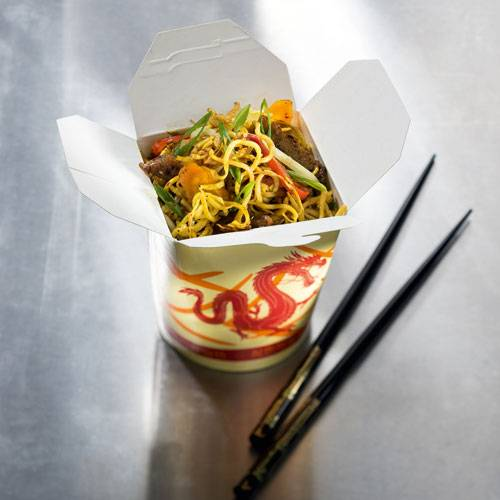 Gebratene China-Nudeln in a box