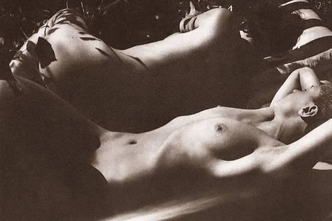 Dellen, Rundungen, Falten? Für diese Nackt-Models kein Problem!