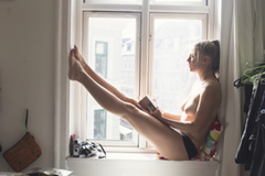 Das dänische Magazin Friktion veröffentlichte ihre Fotos und ihre Geschichte im September 2014. Die Aufmerksamkeit zog an, als auch das MagazinElle über sie berichtete.
