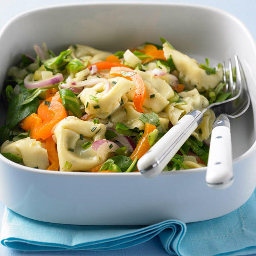 Bunter Tortelloni-Salat