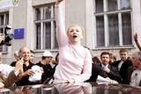 2007 wurde Timoschenko – hier bei einer Wahlveranstaltung - erneut zur Premierministerin gewählt. Ihre zweite Amtszeit war geprägt von Querelen mit Koalitionspartnern und politischen Alleingängen.