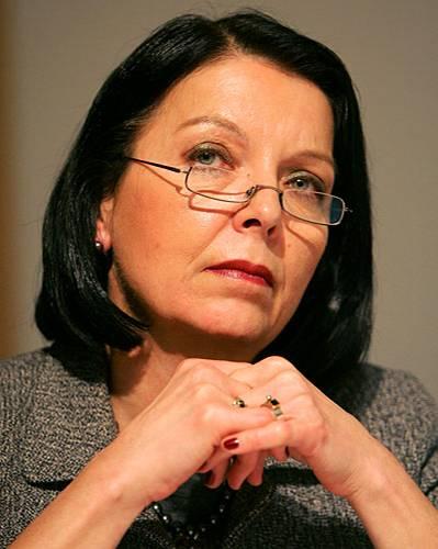Christine Hohmann-Dennhardt, 62