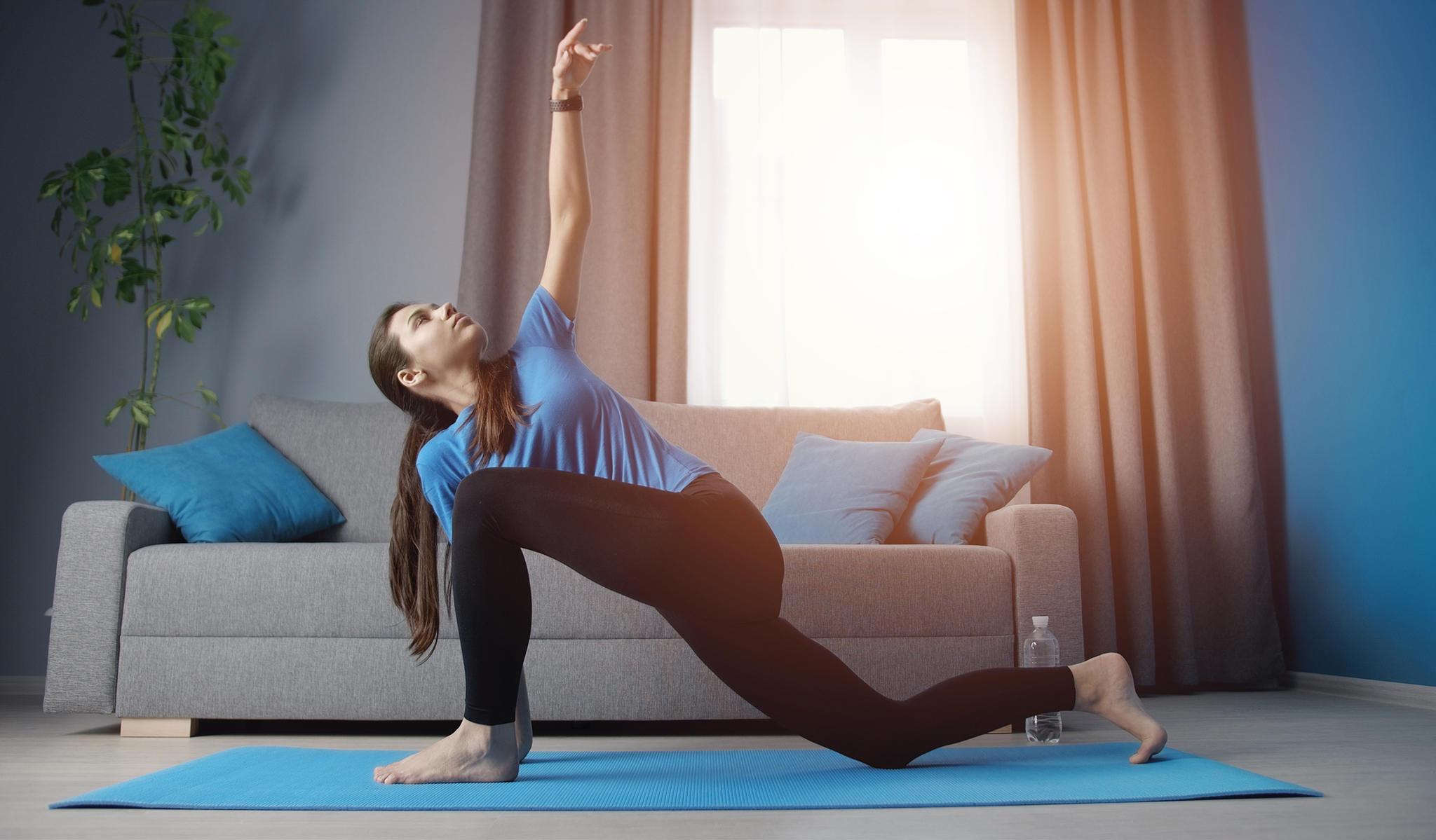 15-Minuten-Workout: Ausfallschritt mit Armstrecker