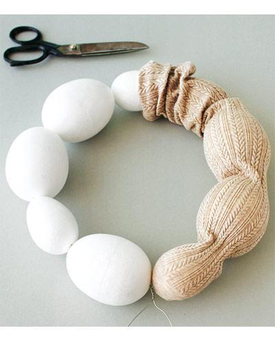 Strumpfhose, Eier, Schere