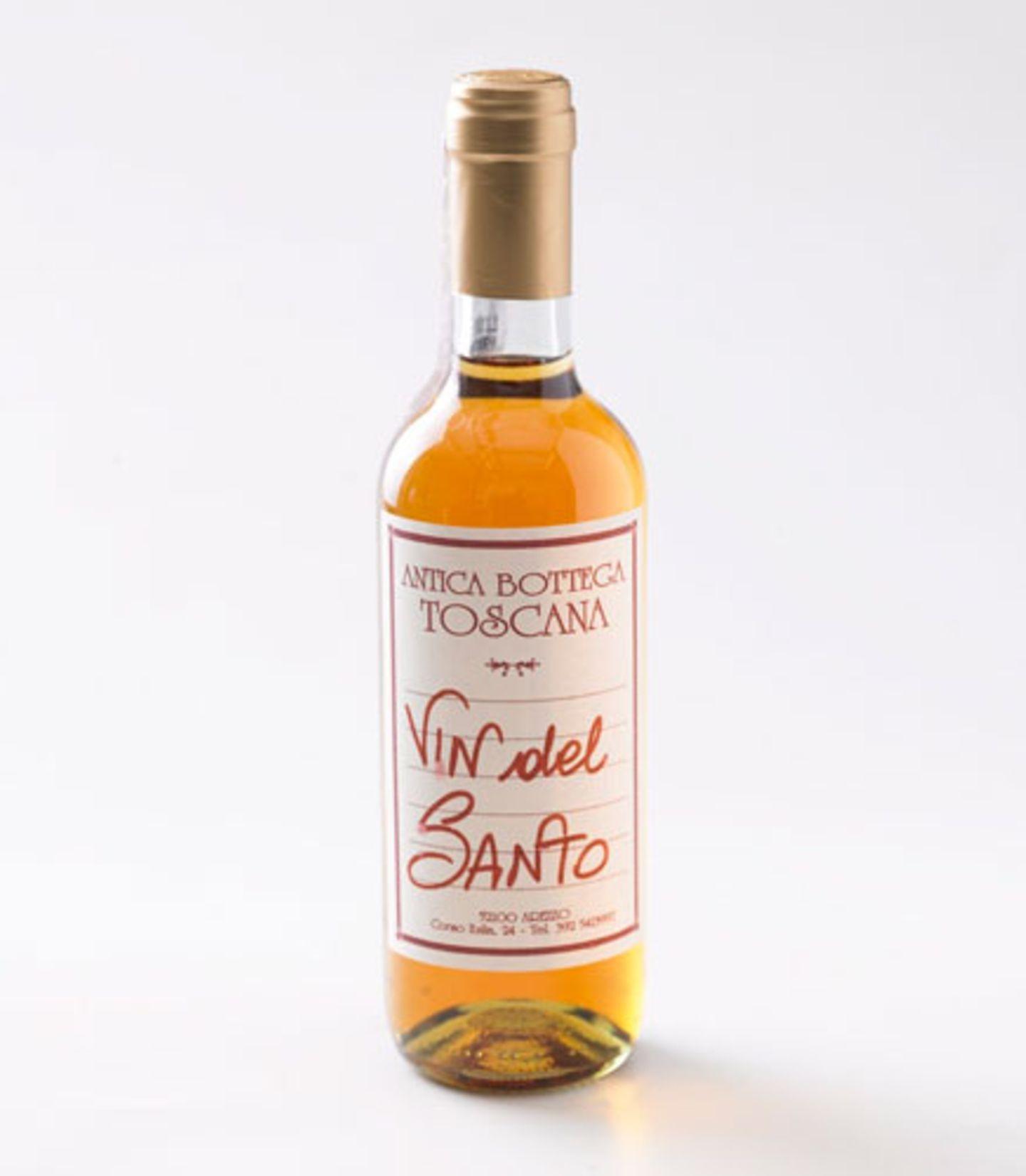 ... erst knusprig, dann weich, dann mischt sich das Mandelaroma mit dem Vin Santo, der an einen halbtrockenen Sherry erinnert - ein Gesamtkunstwerk, dessen Geheimnis darin liegt, in aller Schlichtheit die richtigen Dingen zusammen zu fügen. Und darin sind Italiener einfach Weltmeister.