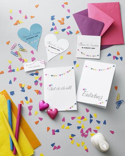 Hochzeitseinladungen mit Herzen