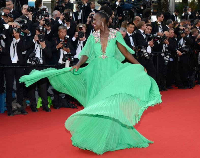 Kristen Stewart zieht in Cannes die High Heels aus SPIEGEL