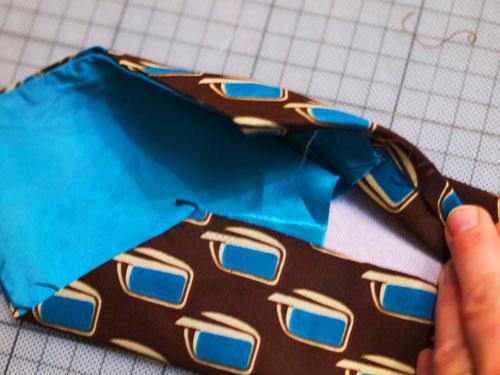 Krawatte auftrennen