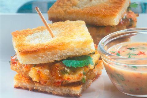 Crab-Burger mit Chilisoße