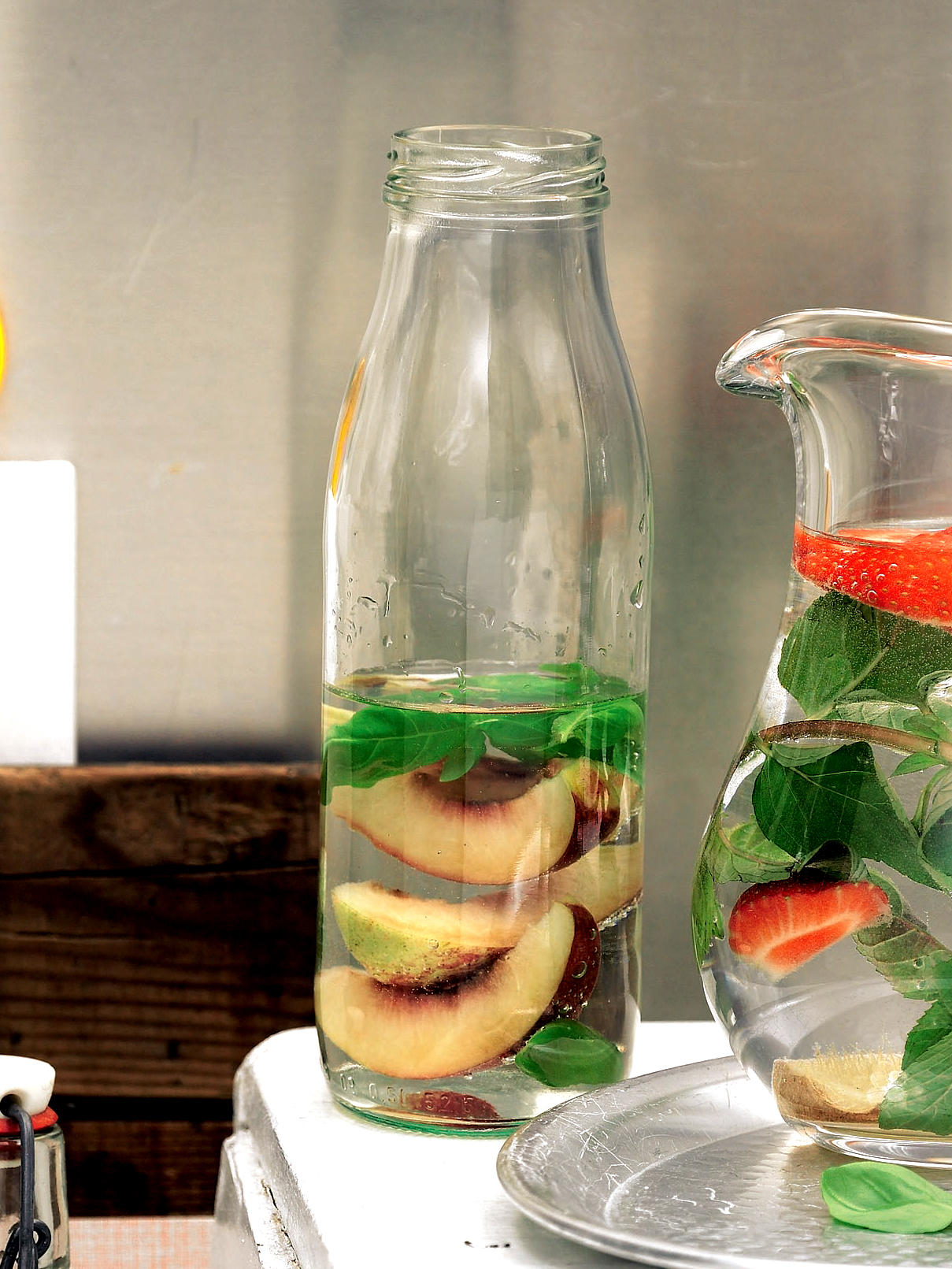 Basilikum-Nektarinen-Wasser