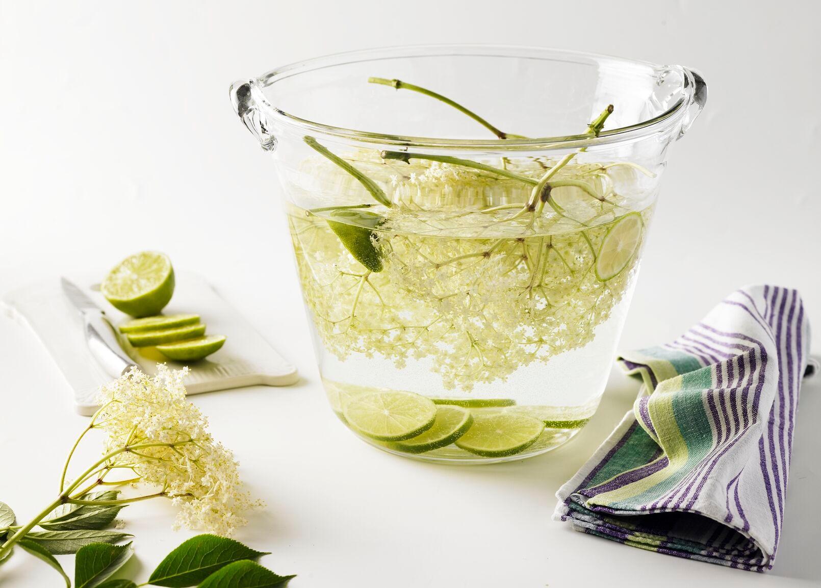 rezepte limonade selber machen herrlich spritzig. Black Bedroom Furniture Sets. Home Design Ideas