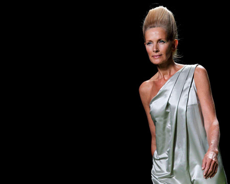 Fashion Weeks: Wie Models über 60 die Laufstege erobern