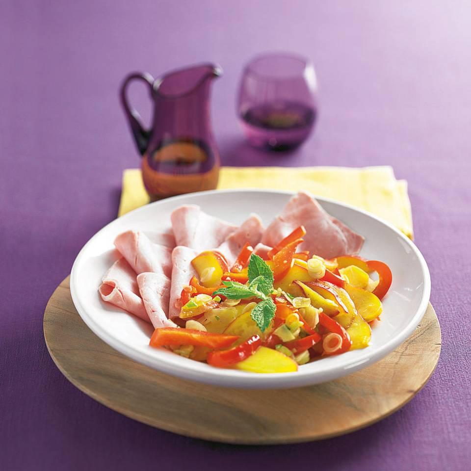 Carpaccio und Pfirsich-Salsa