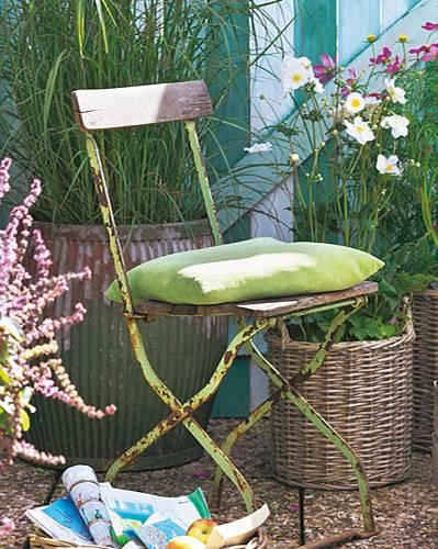 Gartenstuhl Pflanzen