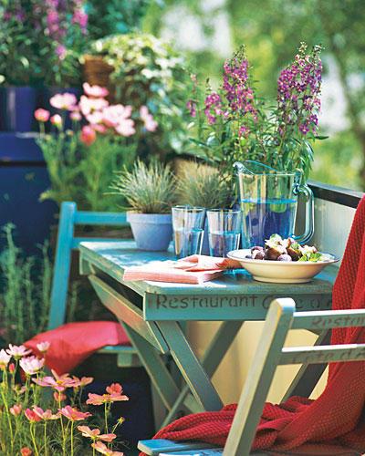 Tisch Balkon Süden