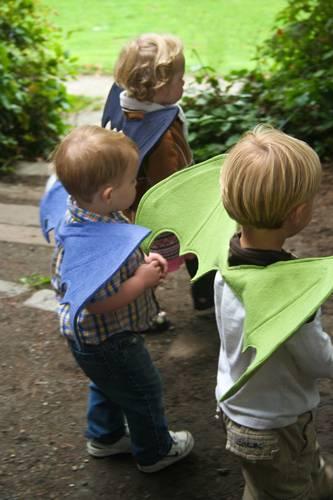 Mit Drachenflügeln könnt ihr einfaches Kinderkostüm selber machen