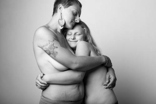 Fotografie: The Bodies Of Mothers
