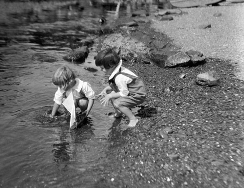 1930: Segel setzen