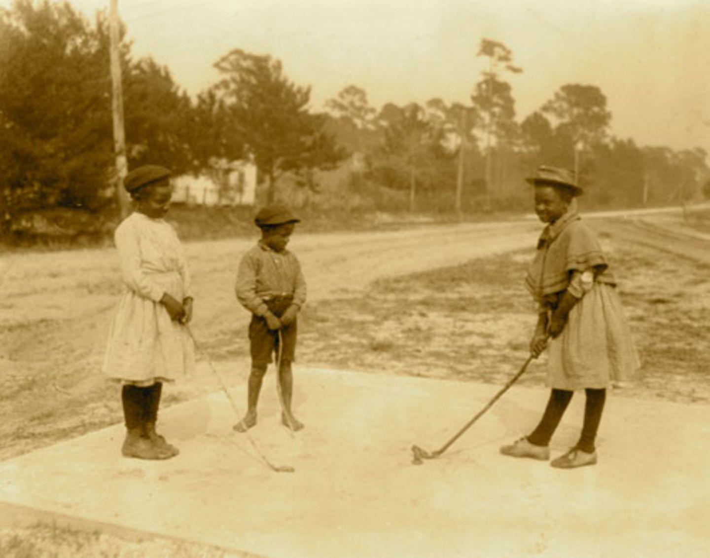 1905: Mini-Golf