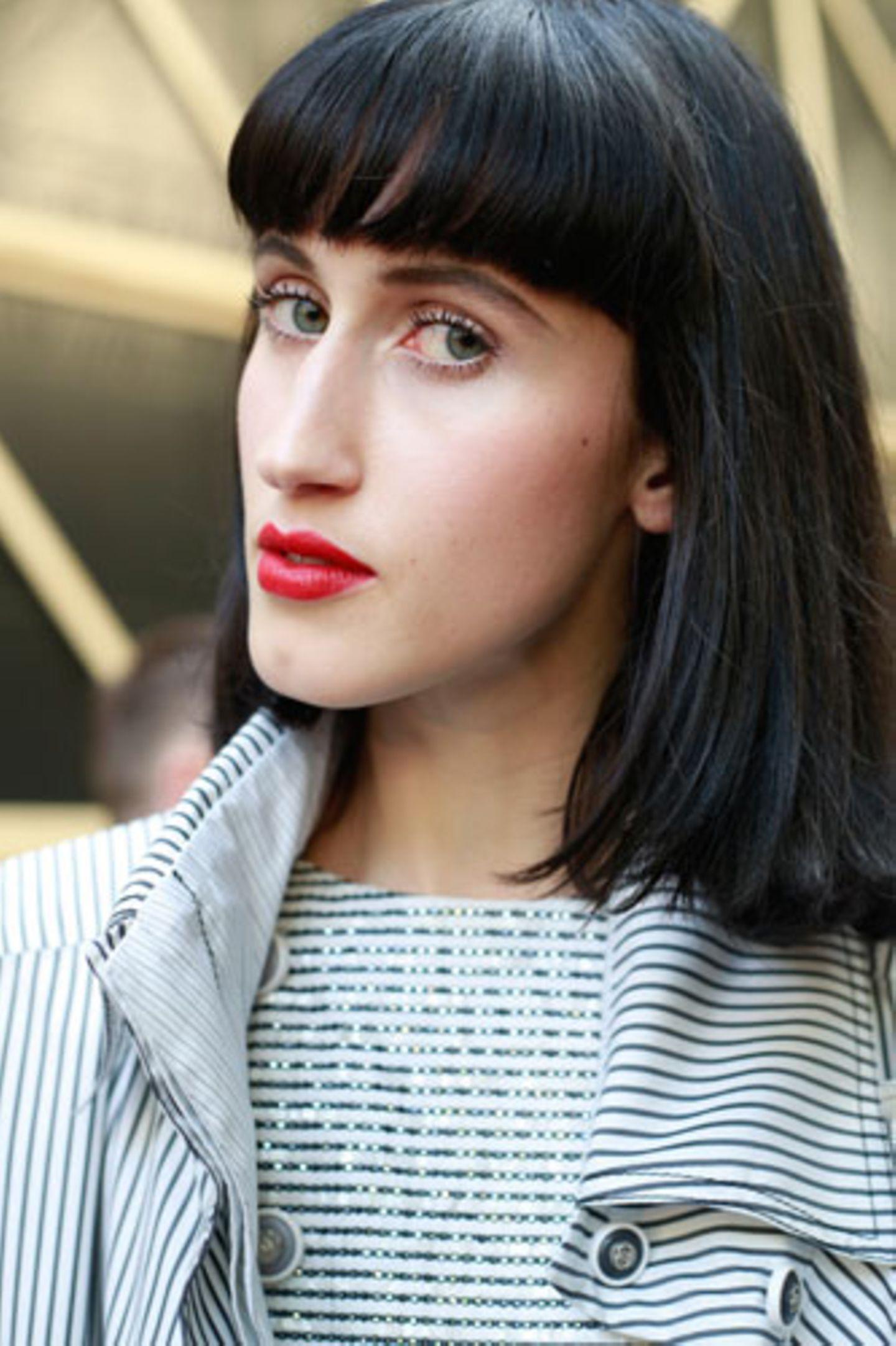 Wie wirkt Make-up: Roter Lippenstift