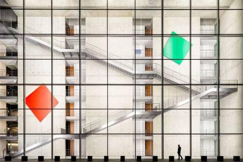 Sony World Photography Awards 2015: Architektur kann faszinieren. Das will auch der deutsche Fotograf Jürgen Schrepfer mit dieser fast inszeniert wirkenden Geometrie zeigen.